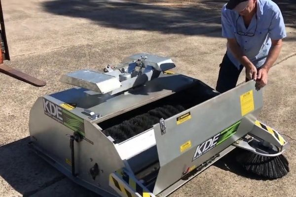 forklift-sweeper-gallery-4